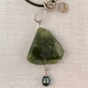 Verte Pear Shaped Necklace